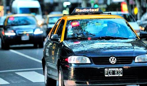 El taxi vuelve a subir y acumula un alza del 30%