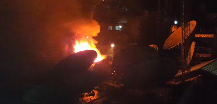 Un depósito de papeles se incendió en Parque Patricios