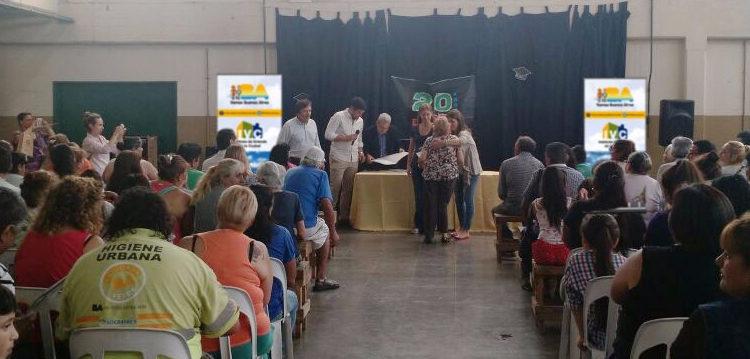 El IVC entregó títulos de propiedad en el barrio Zavaleta