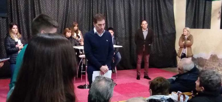 Diego Santilli participo de una nueva reunión con vecinos en Pompeya