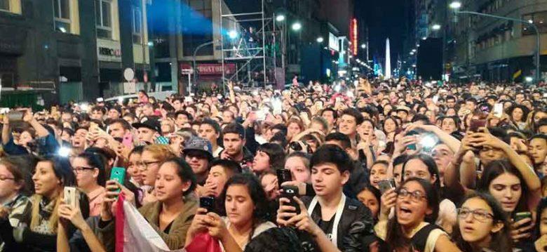 """Gran cantidad de vecinos disfrutaron de """"Estrellas en Calle Corrientes"""""""