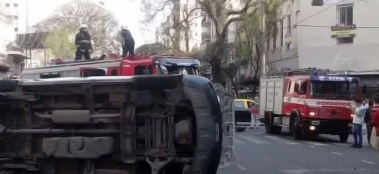 Cinco personas resultaron heridas en un choque deuna ambulancia