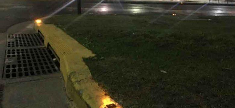 Instalan tachas luminosas en las rotondas de la ciudad