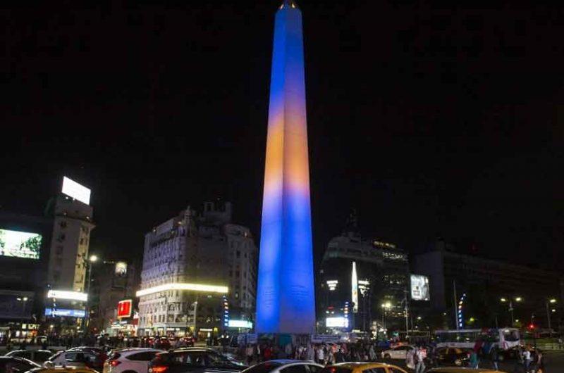 Boca ganó la votación y el Obelisco se vistió de Azul y Amarillo
