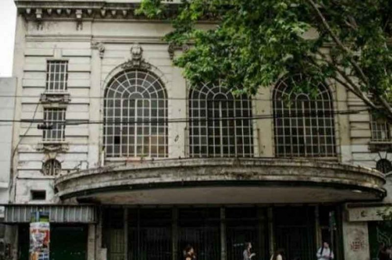 Posible acuerdo para salvar el Teatro Urquiza