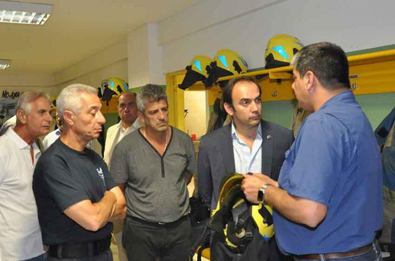 Francisco Quintana visitó el Cuartel de Bomberos Voluntarios de La Boca