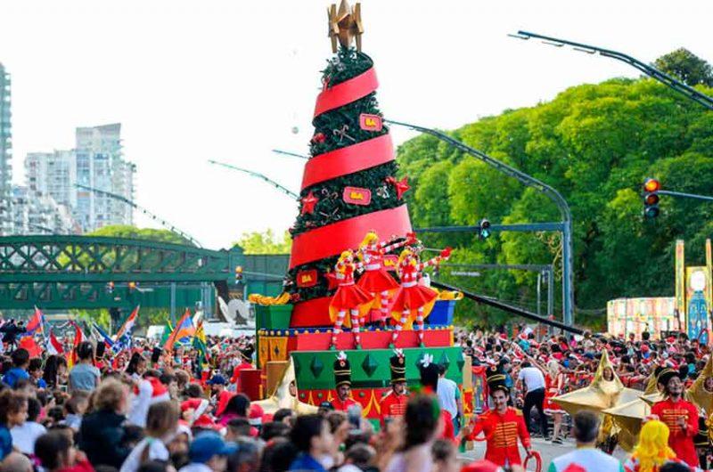 Gran concurrencia al Desfile Navideño organizado por la ciudad