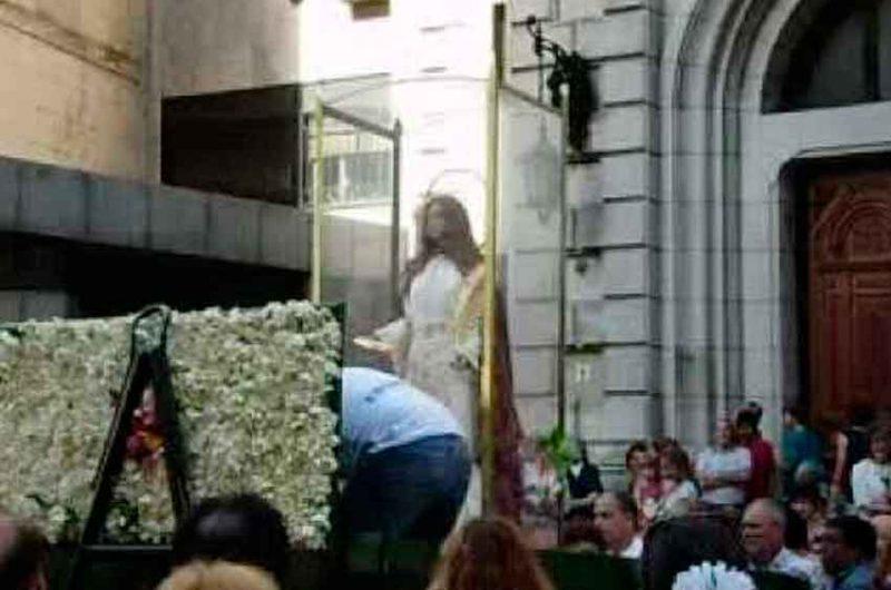 Miles de devotos acuden al santuario de Santa Lucía