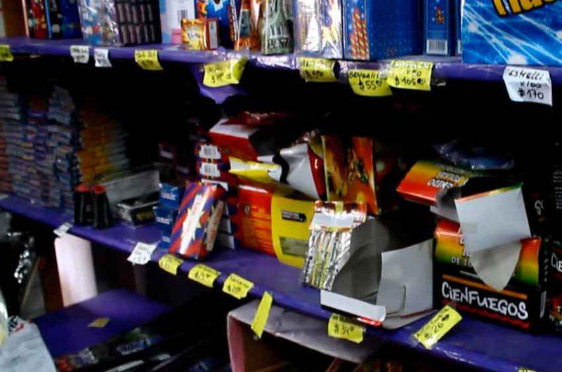 Controles en comercios por la venta de pirotecnia en la ciudad