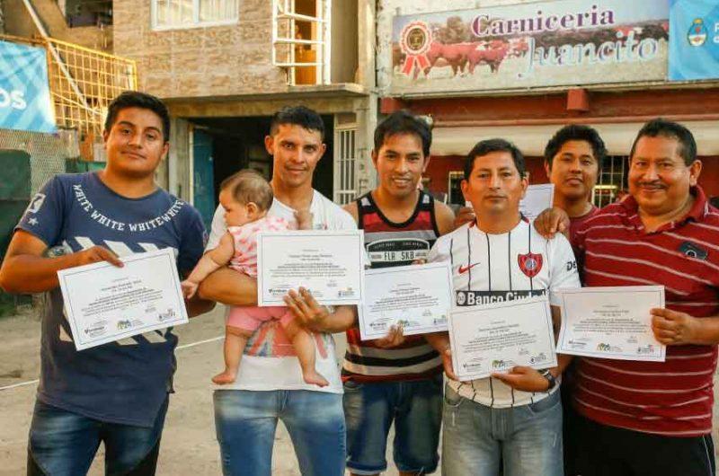 Capacitación y el empleo en el Barrio Rodrigo Bueno