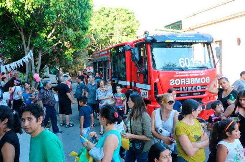 Bomberos de la Ciudad festejaron el día de Reyes