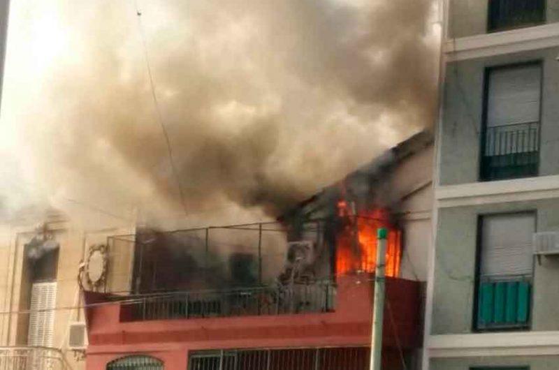 Incendio en una vivienda de la Av. Patricios y Pi y Margall