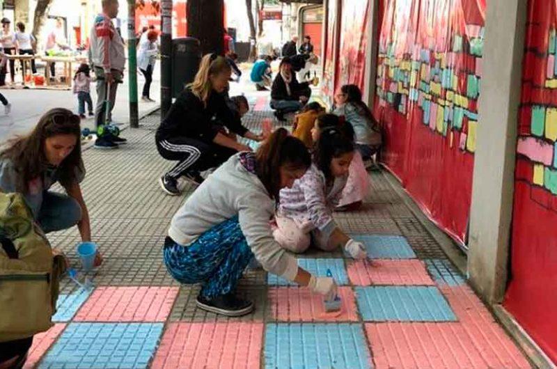 Vecinos de La Boca pintaron sus veredas para homenajear a Quinquela