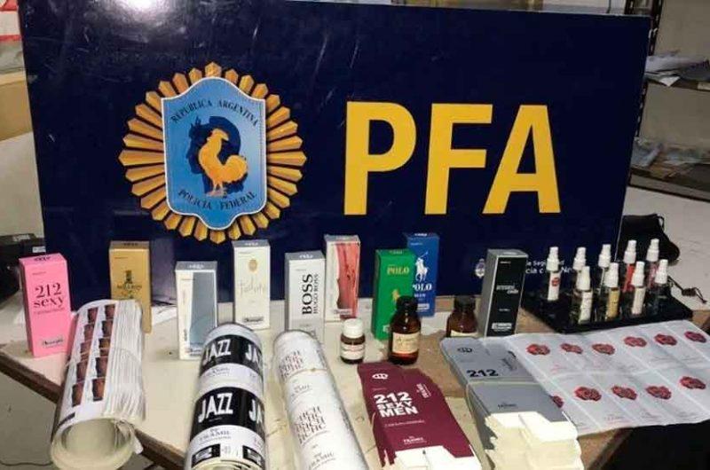 Detuvieron a un hombre que falsificaba Perfumes