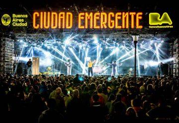 Gran cantidad de personas en Ciudad Emergente 2018