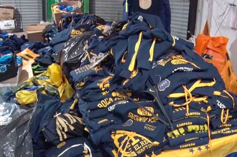 Secuestraron prendas y merchandising  trucho de Boca