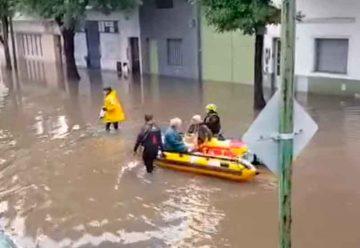 Intensa lluvia provoca anegamientos en Pompeya, Barracas y Soldati