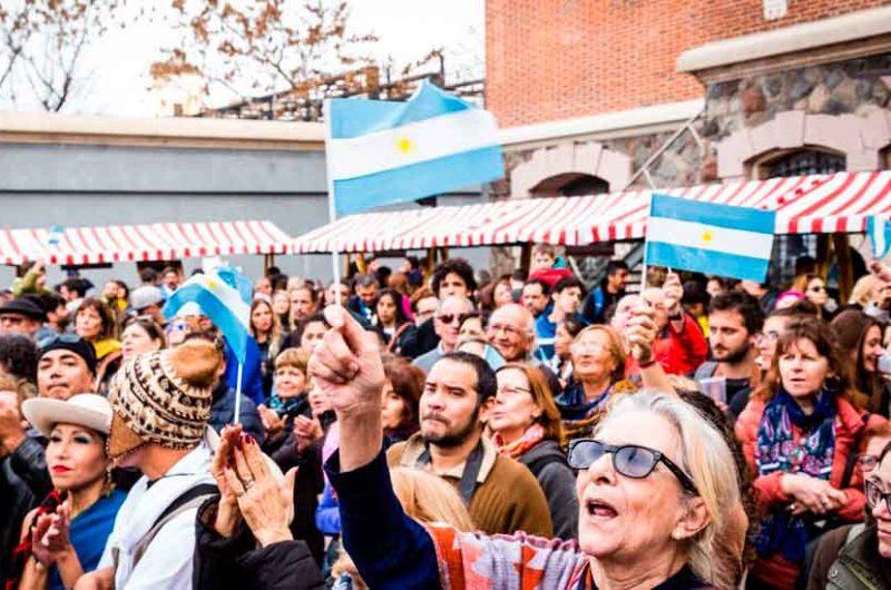 Cientos de vecinos celebraron el 25 de Mayo en la usina