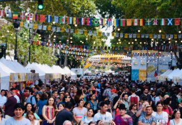 Siete colectividades en BA Celebra en la Avenida de Mayo