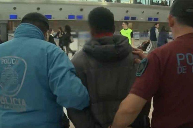 Detuvieron a un prófugo peruano y fue expulsado del país