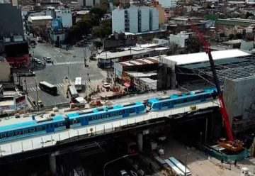 El Belgrano Sur ya circula elevado sobre la Avenida Sáenz