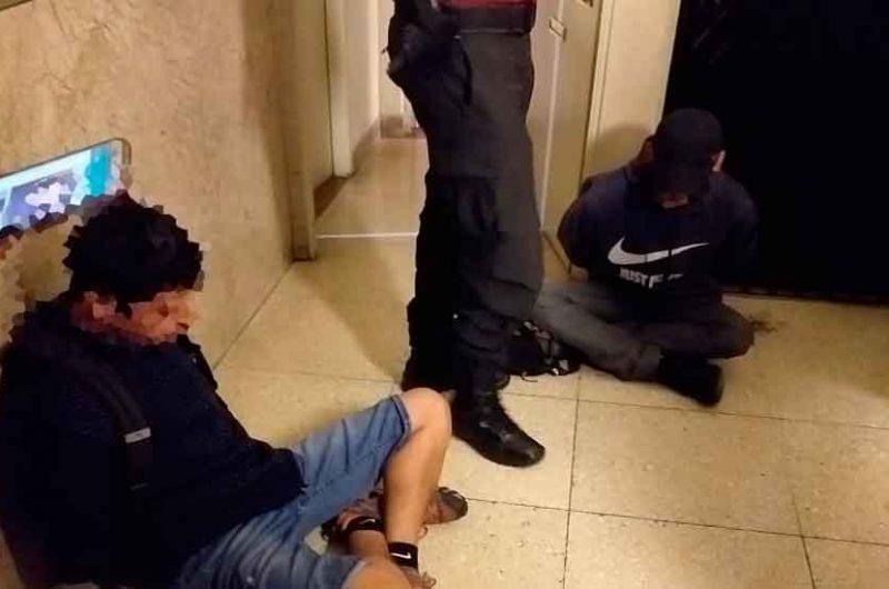 Cayeron dos ladrones que intentaron robar un departamento