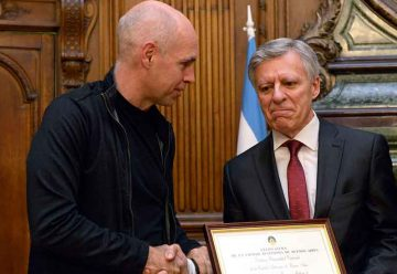 Distinguen en la legislatura al doctor López Rosetti