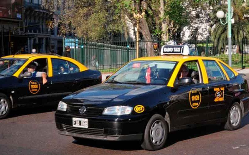 Aumentan taxis un 30% y los parquímetros un 66% en la ciudad