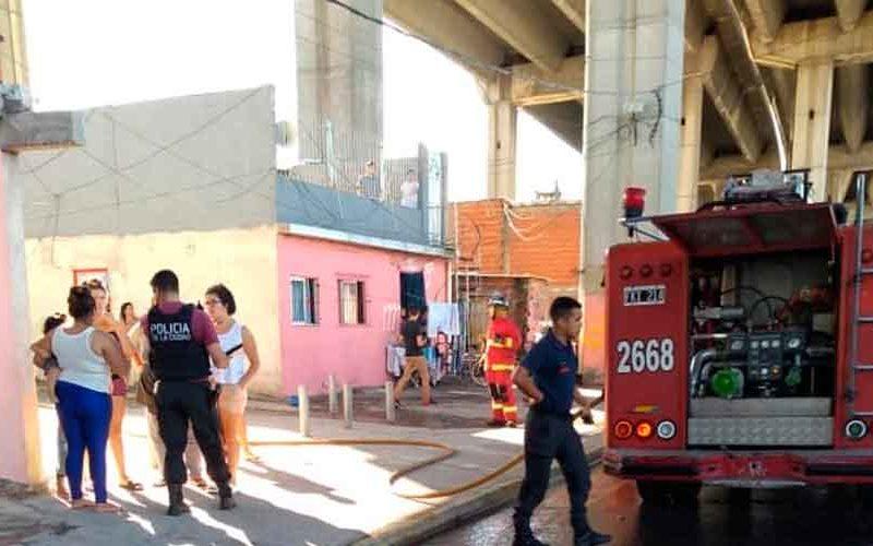 Incendio en la Avenida Pedro de Mendoza y Suárez
