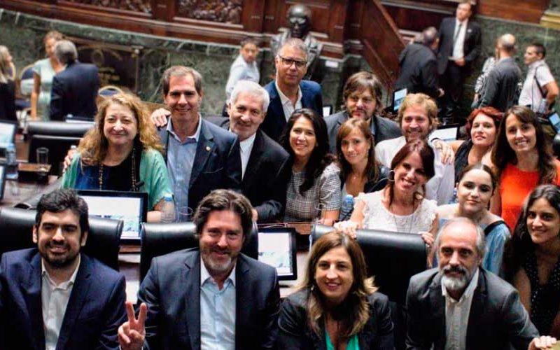 El Frente de Todos rechaza la emergencia económica de Larreta