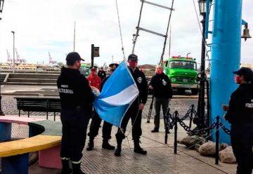 Bomberos de la Vuelta de Rocha conmemoró la Revolución de Mayo