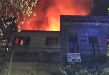 Incendio en casa de inquilinato de La Boca