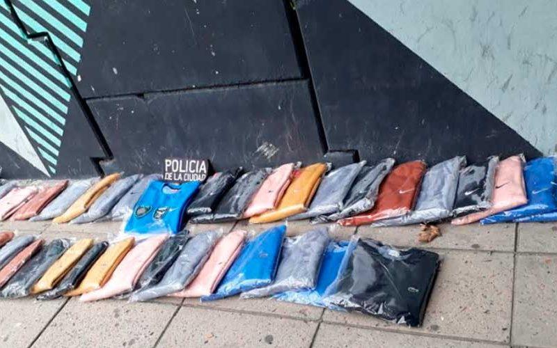 Un hombre que transportaba mercadería falsificada fue detenido