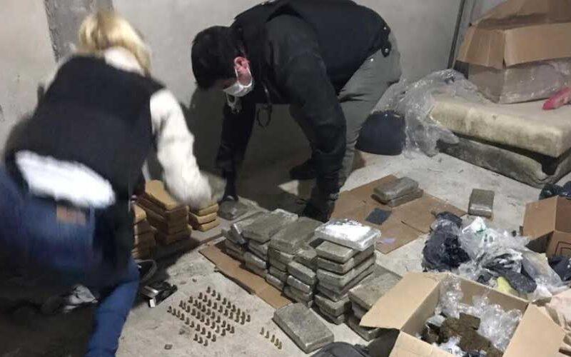 Descubren centro de acopio narco con más de 54 kilos de marihuana