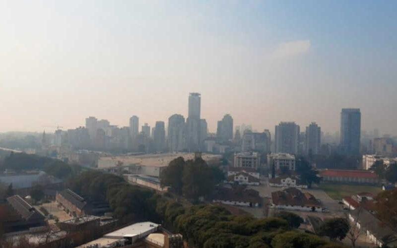 Humo y olor a quemado en la Ciudad de Buenos Aires