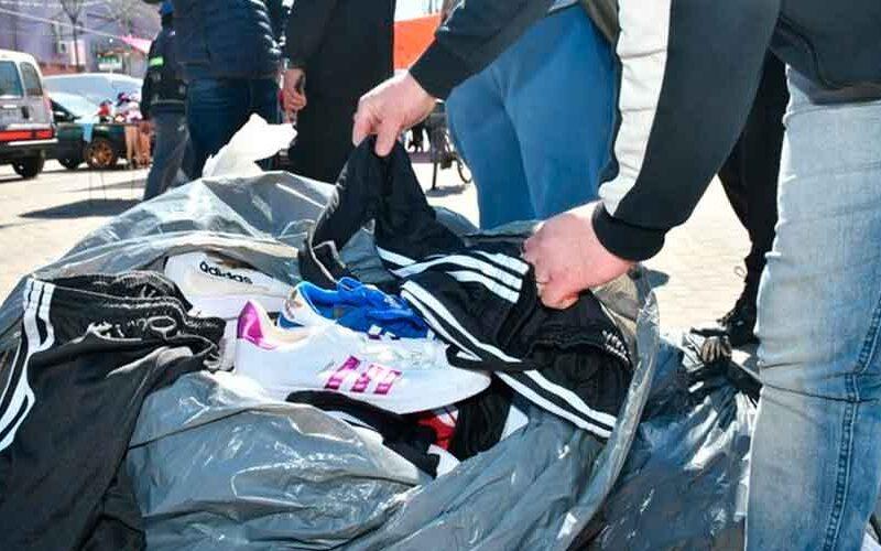 Entregaron ropa y calzado a cuatro comedores en el Barrio 31