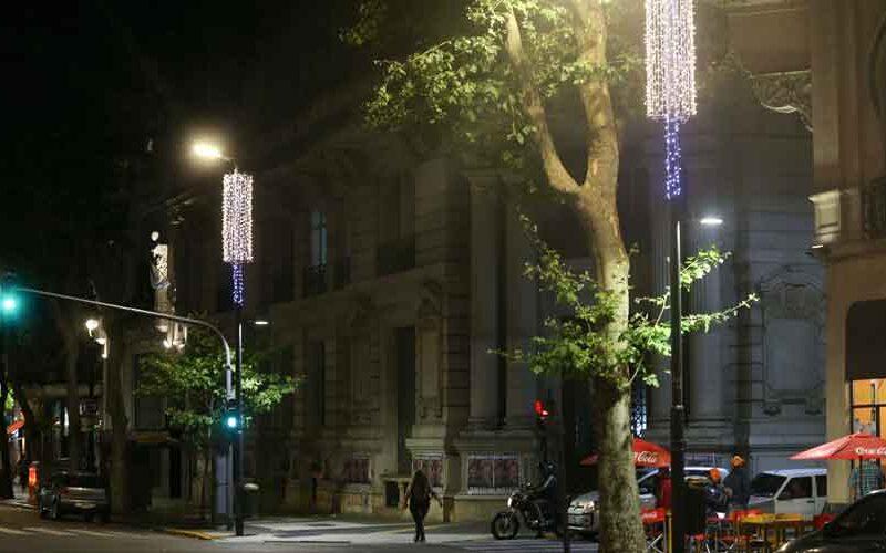 La Ciudad se prepara para estas fiestas con adornos navideños