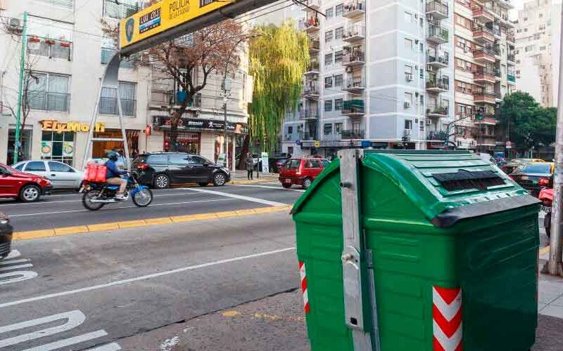 Se multiplican los contenedores verdes en los barrios