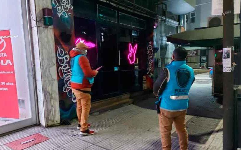 Desbarataron fiesta clandestina en un bar de Barracas