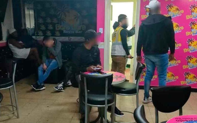 Desbarataron fiesta clandestina en un boliche