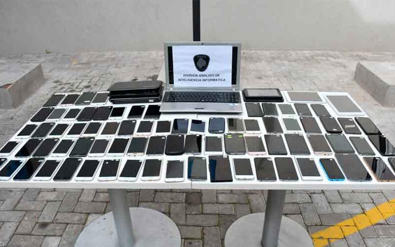 Continúa la devolución de celulares recuperados
